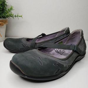 Ahnu Womens Gracies Sneaker Gray Nubuck Mary Janes